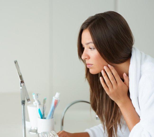 Як правильно видаляти макіяж не витрачая багато часу